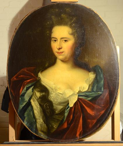 17 of 18e eeuws portret van een dame - voor behandeling